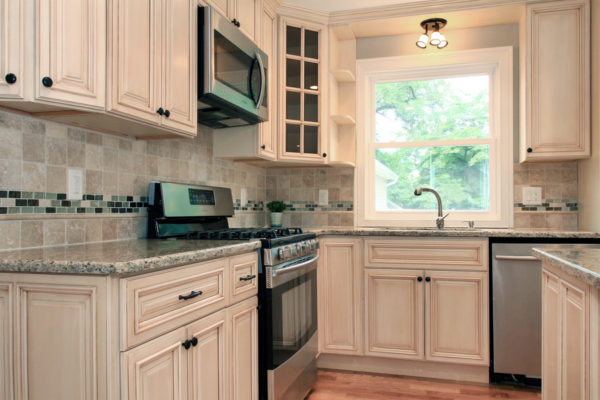 1-kitchen-off-white-with-bronze-accents-and-greanite--counter