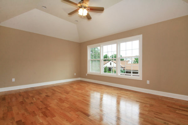 3-Master-Bedroom-with-tray-ceiling
