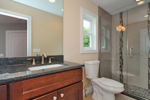 1-bathroom-on-1st-floor-full